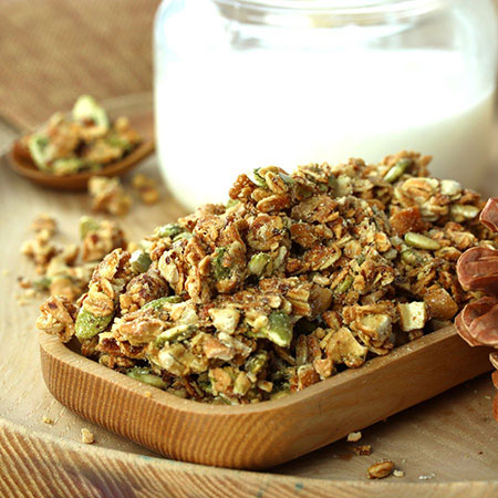Granola thức ăn sáng và ăn nhẹ nhanh chóng dinh dưỡng cho sức khỏe
