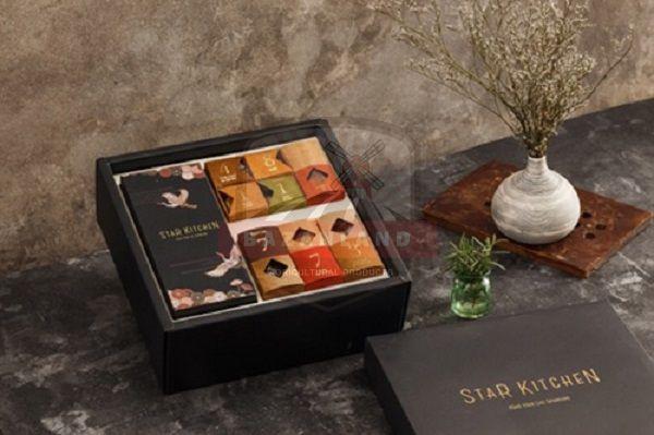 Hộp quà tết bánh dát vàng